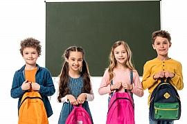 Příští týden se už děti vrací do škol, mají vše připravené? A jak je to s rouškami ve škole?