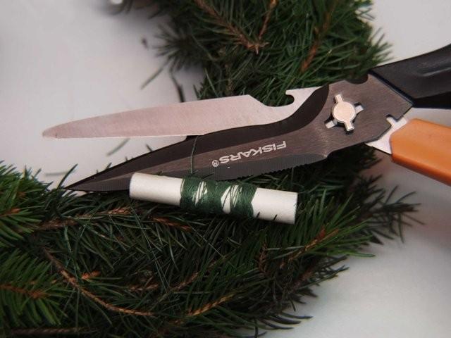 Nůžky Fiskars Cuts+More a výroba adventního věnce