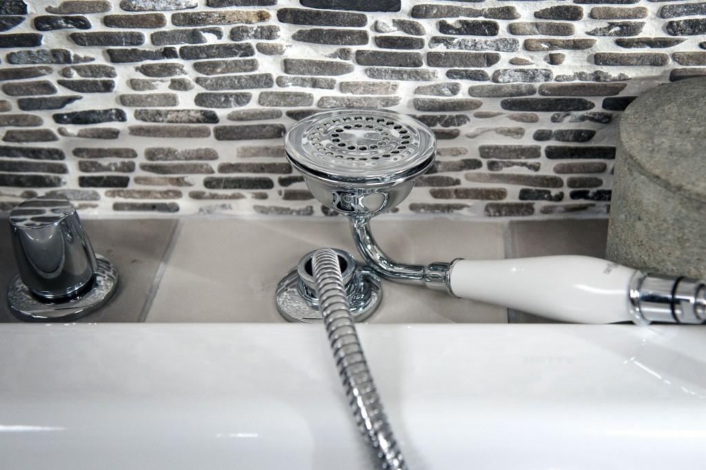 Opravujeme sprchu