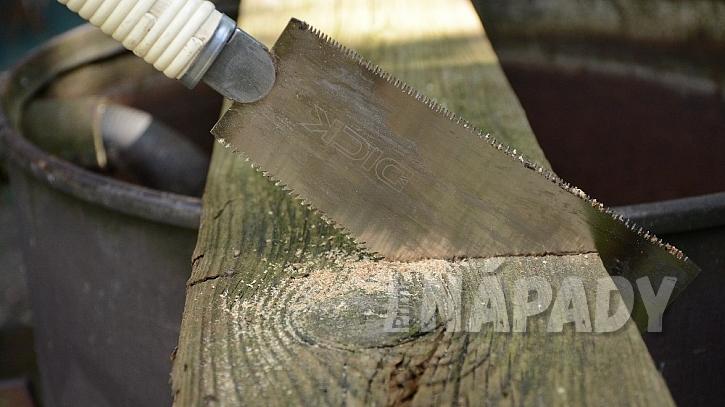 Domečky ze starého dřeva: z prkna vyřízněte části, které se vám líbí