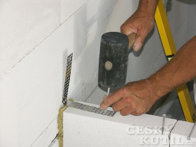 4. Zakotvení k boční stěně