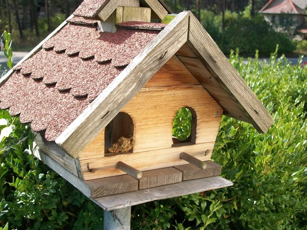 Krmítka a koupání pro ptactvo
