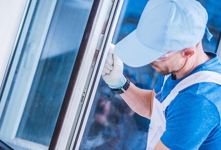 S odborníkem si můžete domluvit pravidelný servis a údržbu oken