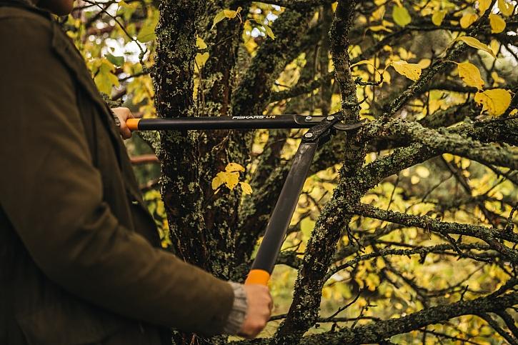 Dvoučepelové nůžky Fiskars_Garden_Action_PG_Lopper_Bypass_L78_1000584