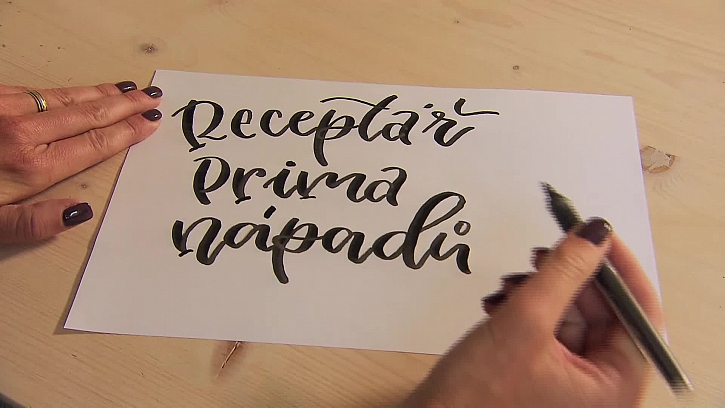 Škola krasopisu neboli moderní kaligrafie