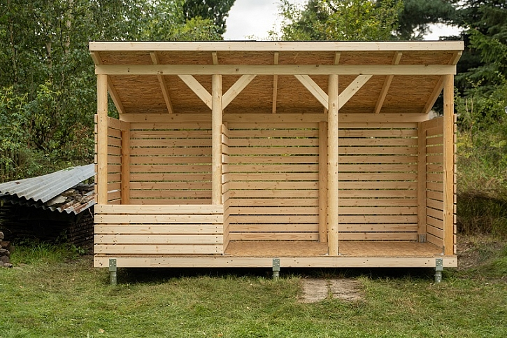 Postavte si kvalitní dřevník podle Pepy