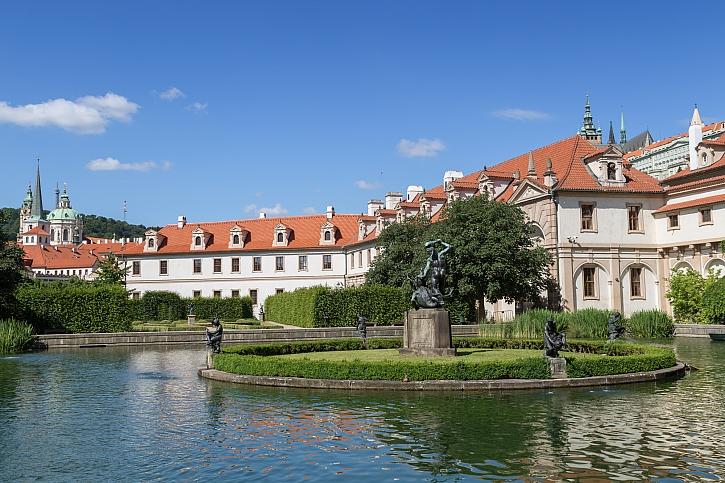 Výstava 30 let pelhřimovských rekordů ve Valdštejnské zahradě v Praze (Zdroj: Depositphotos)