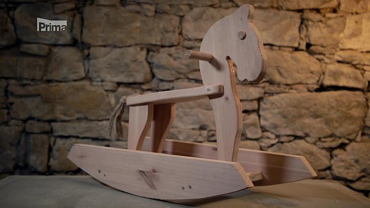 Návod na výrobu dřevěného koně. (Zdroj: Dřevěný houpací kůň)