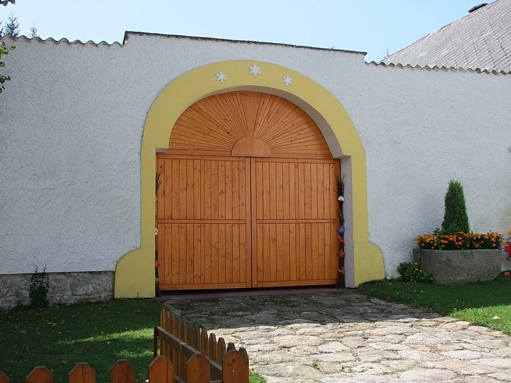 Stará dřevěná vrata