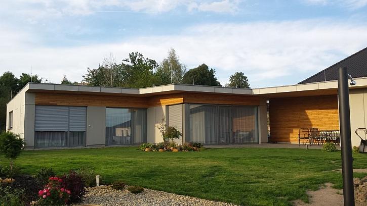 Stávající realita bydlení v krásném, moderním a po všech stranách zdařilém domě