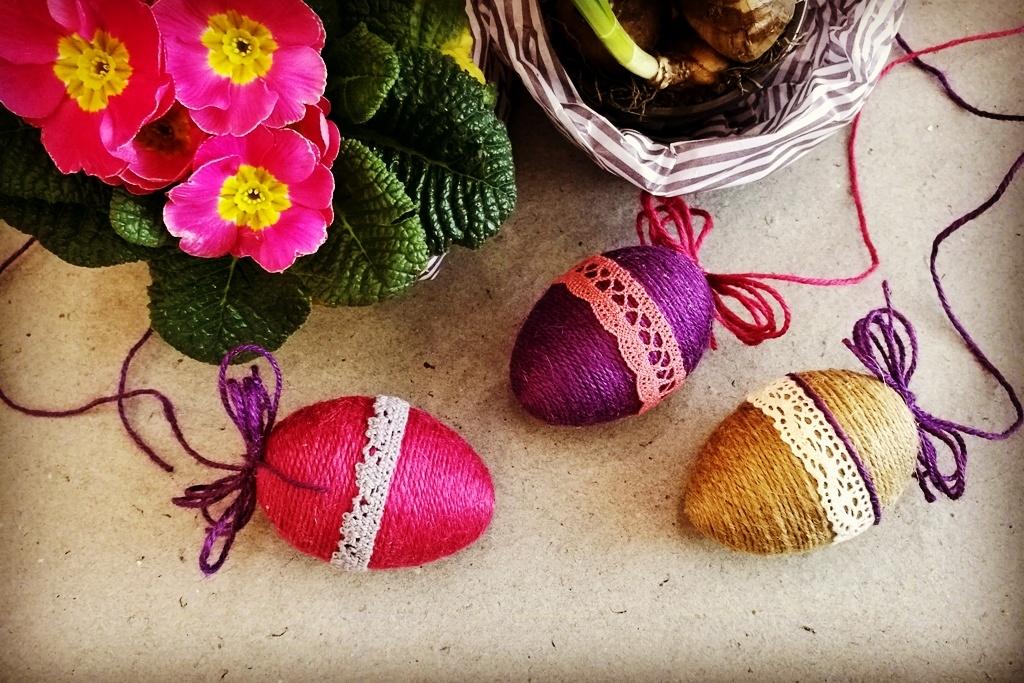 Velikonoční provázkové kraslice: Jarní výzdoba bude hotová během chvilky