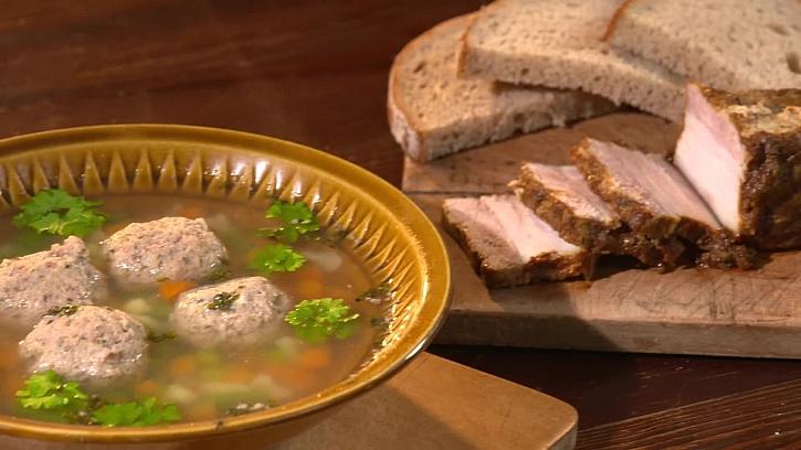Bůčkový speciál s polévkou s játrovými knedlíčky