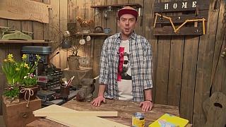 Jednoduchý botník z dřevěné bedýnky