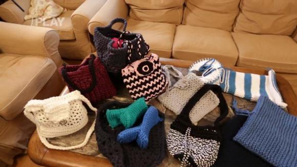 Recyklace obnošených látek - háčkování a pletení