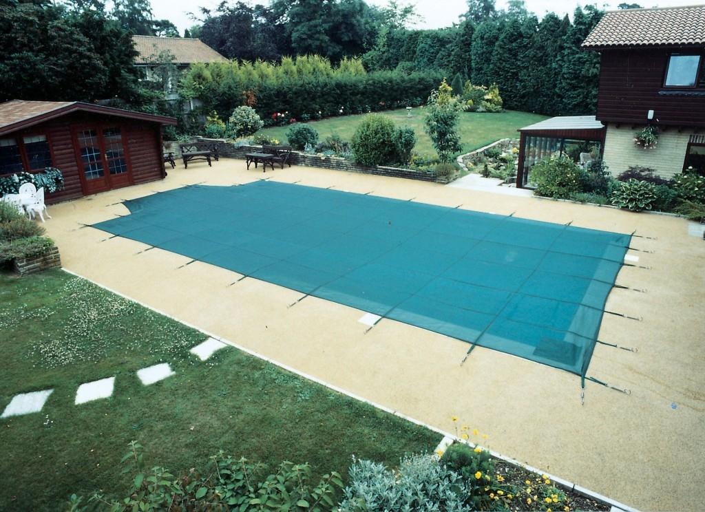 Jak připravit bazén na zimu?