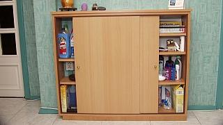 Jak vyrobit skříňku na domácí chemii do malého bytu