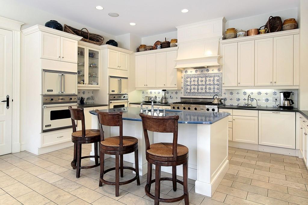 Výběr vhodné podlahy do kuchyně nám zpříjemní vaření a usnadní úklid