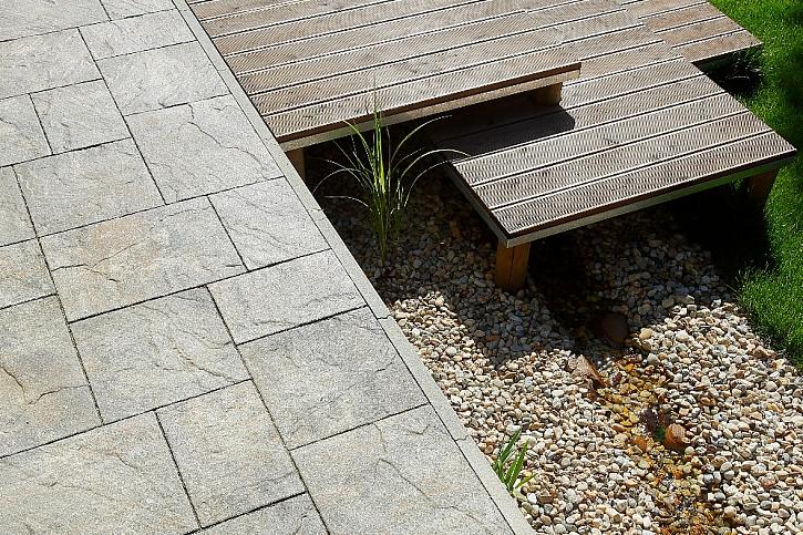 Betonová dlažba a další stavební prvky pro každou zahradu