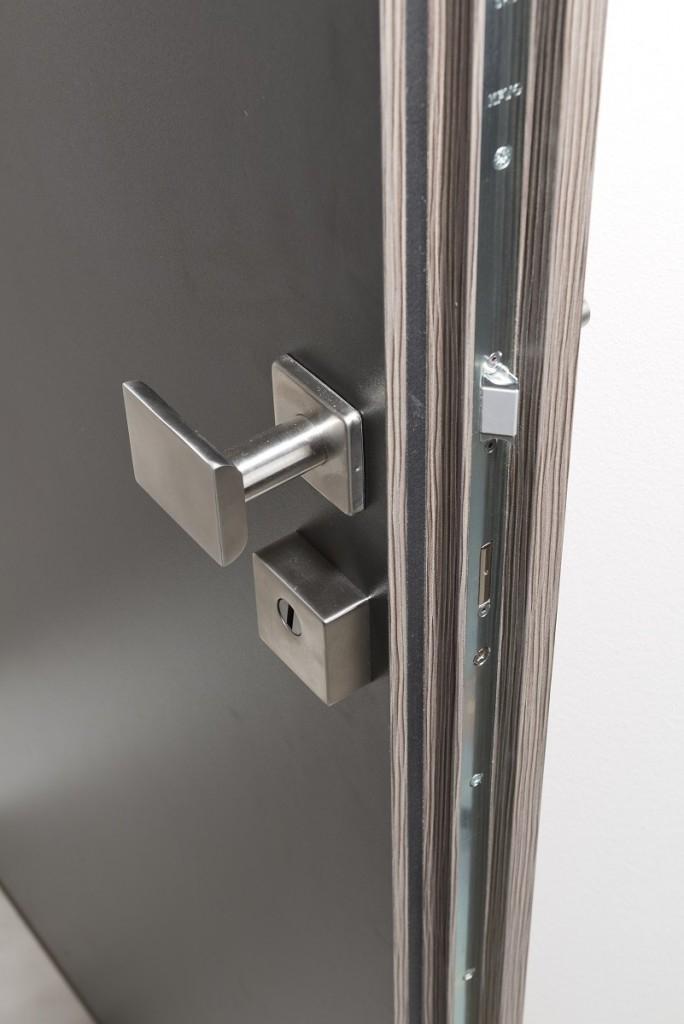 Nové bezpečnostní dveře s bezpečnostní třídou RC3 ochrání vás i váš domov