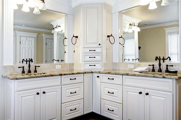 Koupelnové skříňky pro dvojitá umyvadla