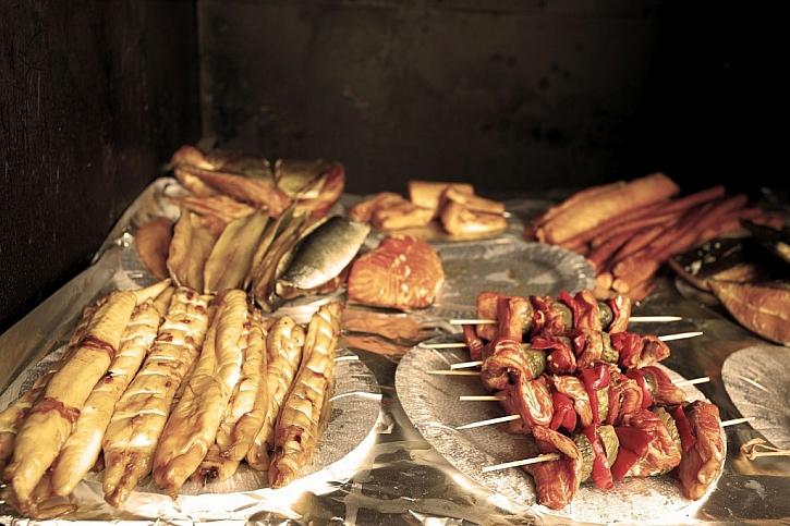 Vlastní uzené maso a ryby potěší i vytříbené kulináře