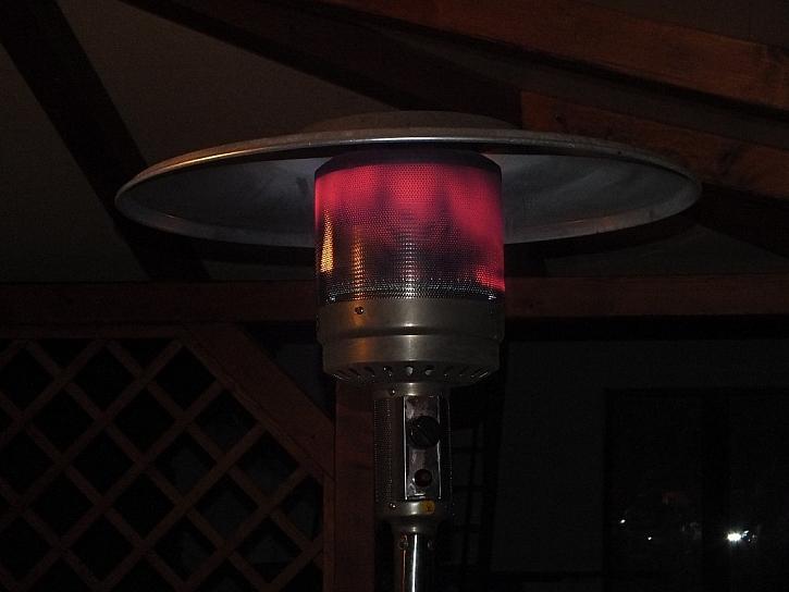 Montáž tepelného zářiče Etna