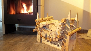 Jak si vyrobit prima nosítko na dřevo se stojanem