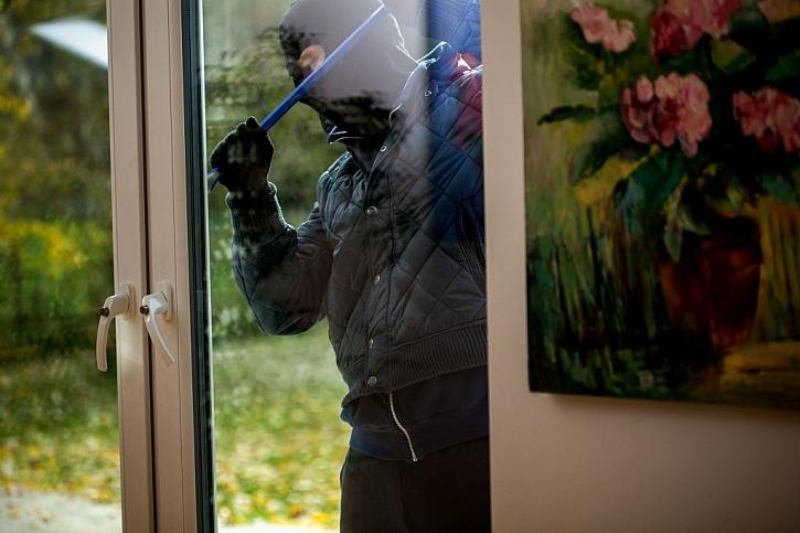 Uzamykatelné dveře či okna na terasu jsou jednou z jednoduchých ochran před vykradením