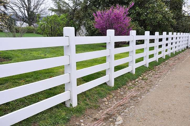 Jak vyměnit sloupek u dřevěného plotu? (Zdroj: Depositphotos)