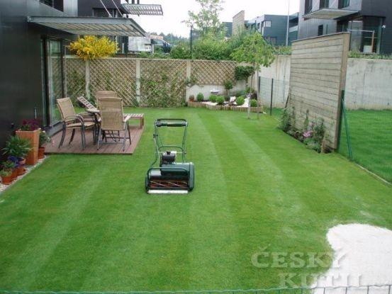 Vřetenová sekačka: hustý trávník bez stresu.