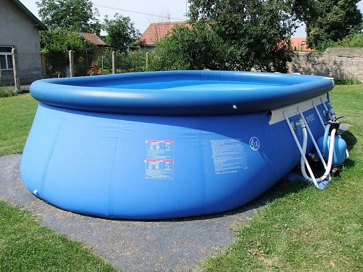 Sezona bazénů se blíží, máte už vybráno?