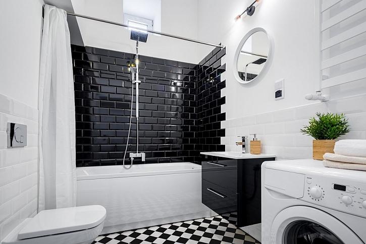 Umyvadlová skříňka v koupelně