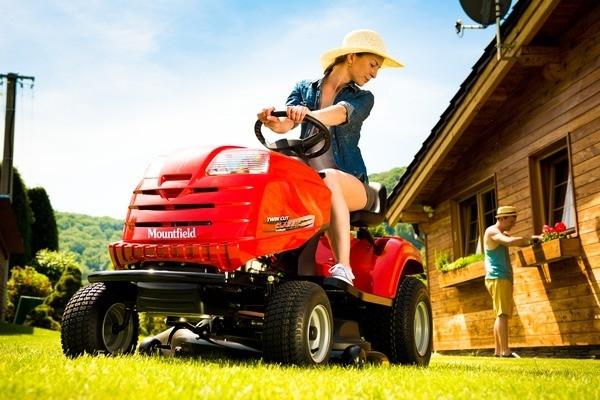 Stroj, bez něhož se neobejdete - to je pro mnohé zahradní traktor