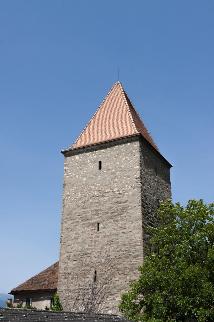 Jehlanové střechy se používají u staveb s úzkým půdorysem