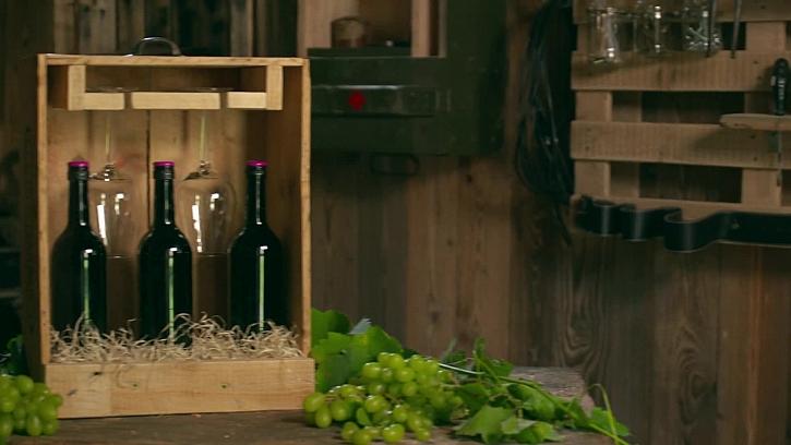 Jak vyrobit praktickou dárkovou bedničku na víno? (Zdroj: Výroba dárkové bedýnky na víno i skleničky)