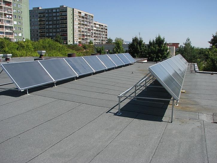 Vývoj solárních systémů a instalace kolektorů Regulus
