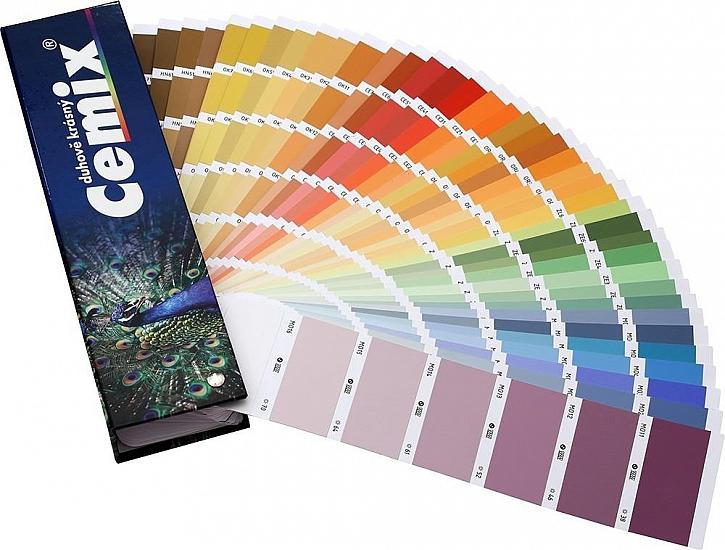 Omítku je možné probarvit do libovolného odstínu ze vzorníku Cemix Duhově krásný.