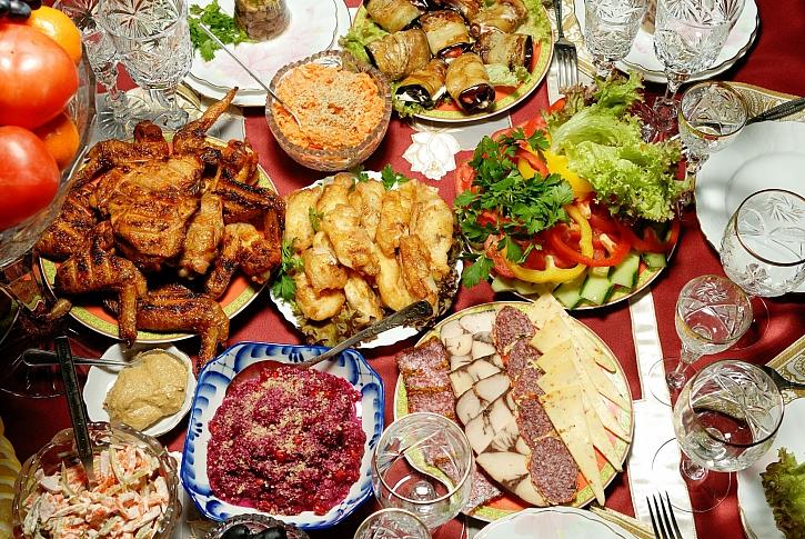 Tradiční masopustní jídla byla složena převážně z masitých pokrmů (Zdroj: Depositphotos)