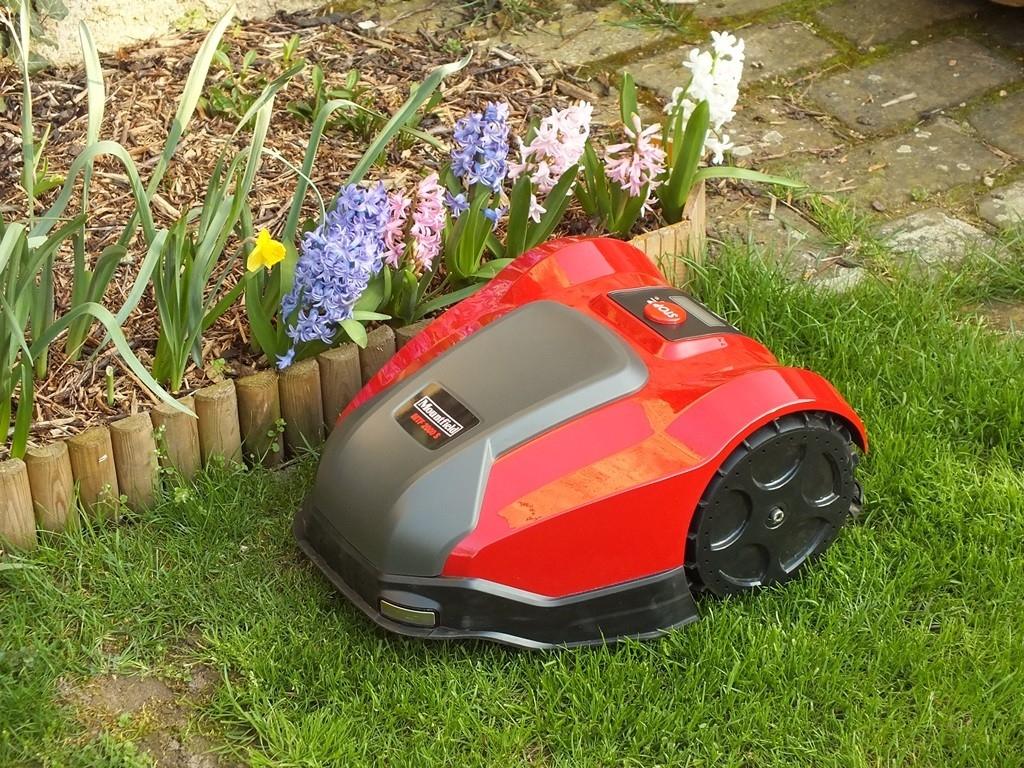 Robotická sekačka - aneb samostatný zahradník od Mountfieldu