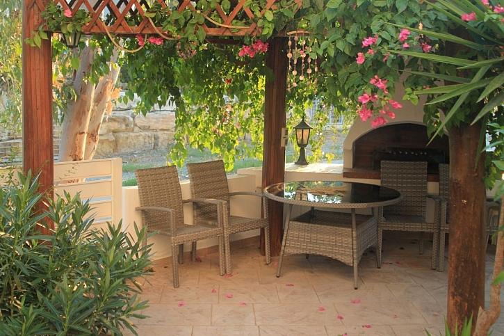 Venkovní kuchyně pro pohodlné vaření v létě
