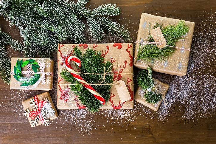 Jak originálně a přitom jednoduše ozdobit dárky? (Zdroj: Depositphotos)