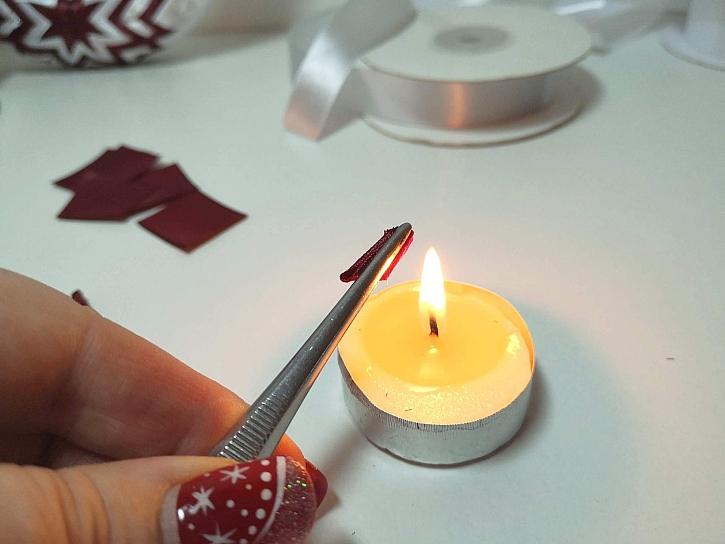 Zatavení spoje nad svíčkou