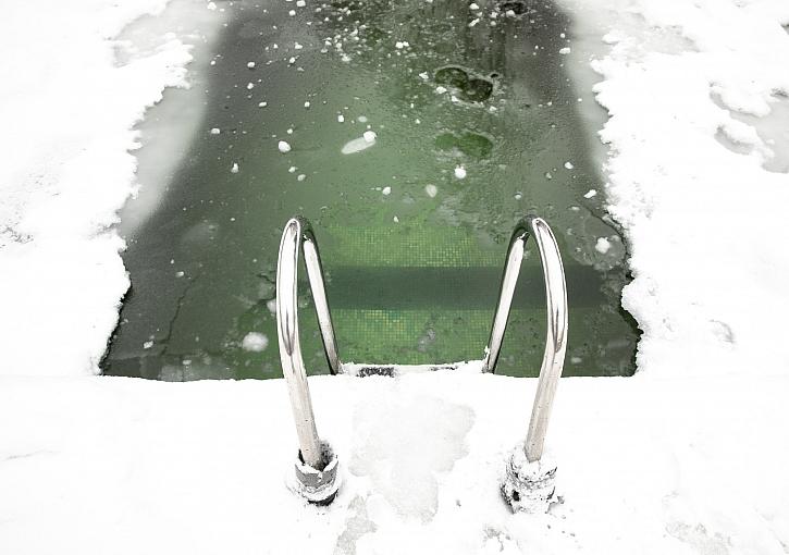 Voda v bazénu