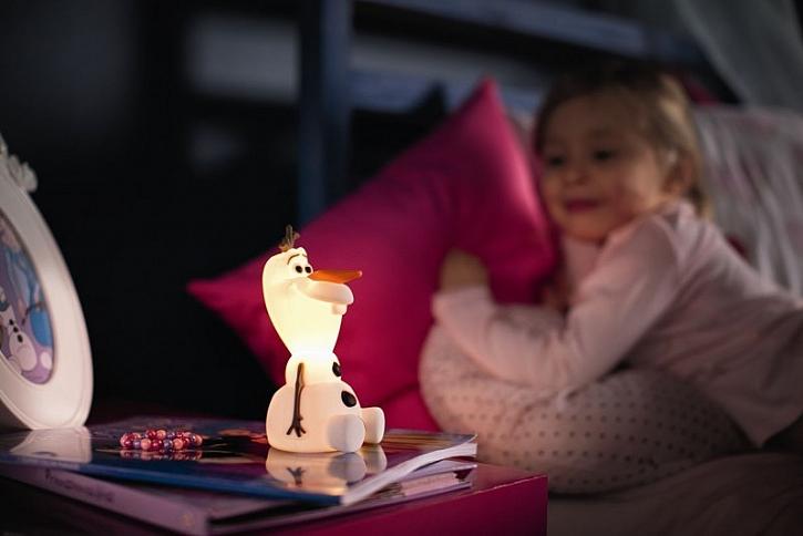 Vnitřní LED světlo se zapíná nakloněním do stran