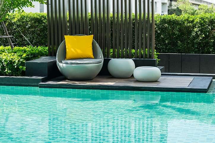 Pohodlí a odpočinek na zahradě zvýší naši chuť zde pobývat (Zdroj: Depositphotos)