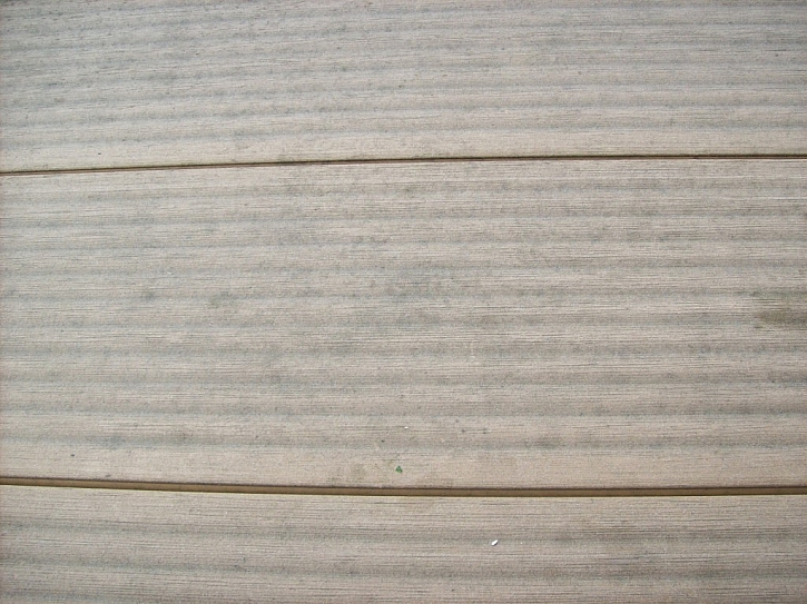 Detail prken před čištěním