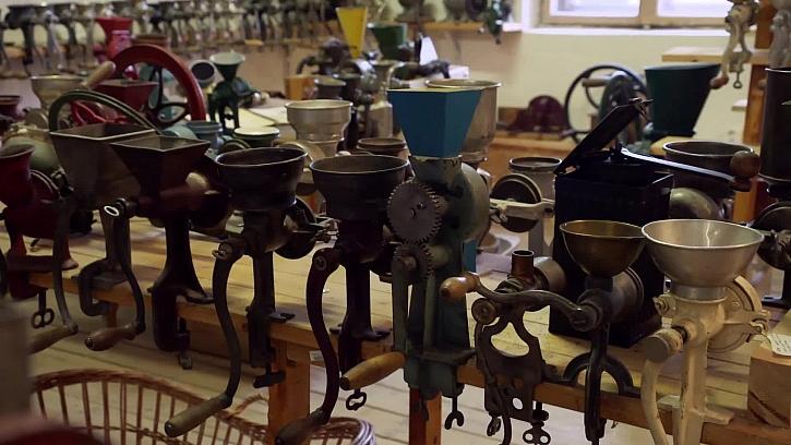 Staré kovové mlýnky