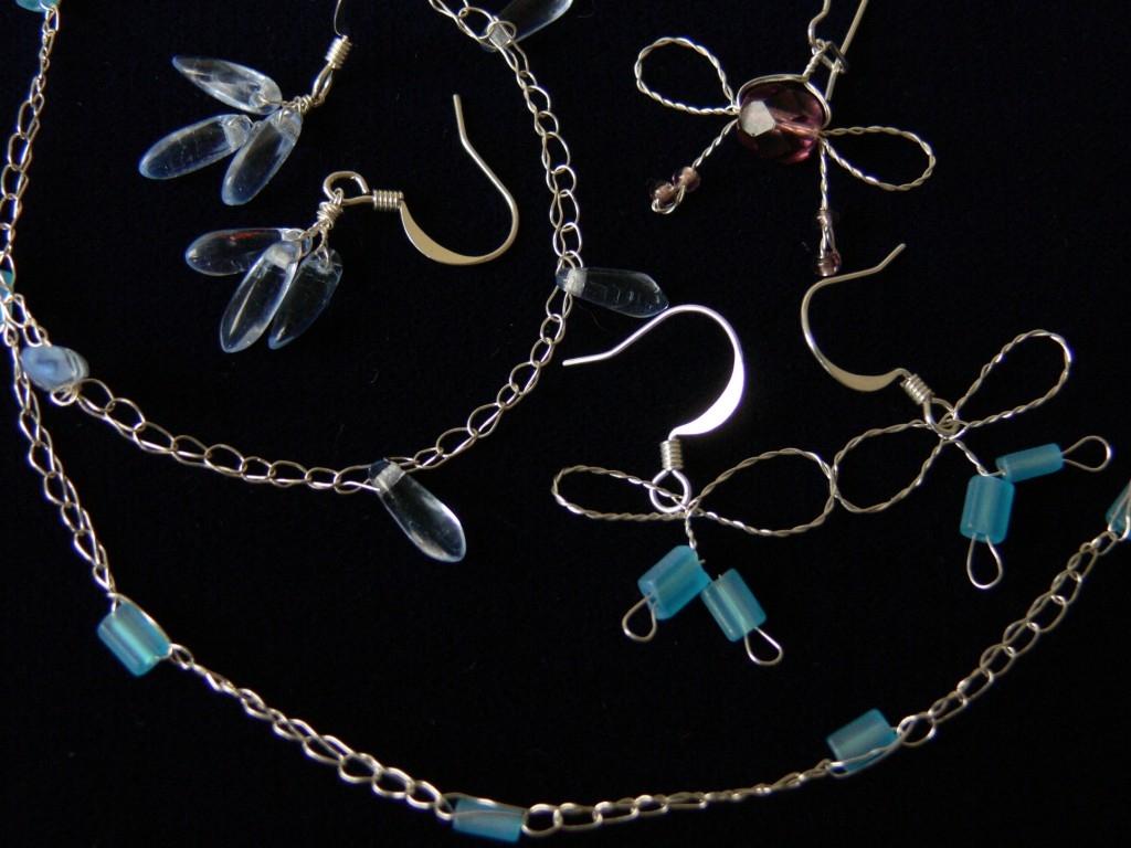 Drátkovaný náhrdelník a náušnice