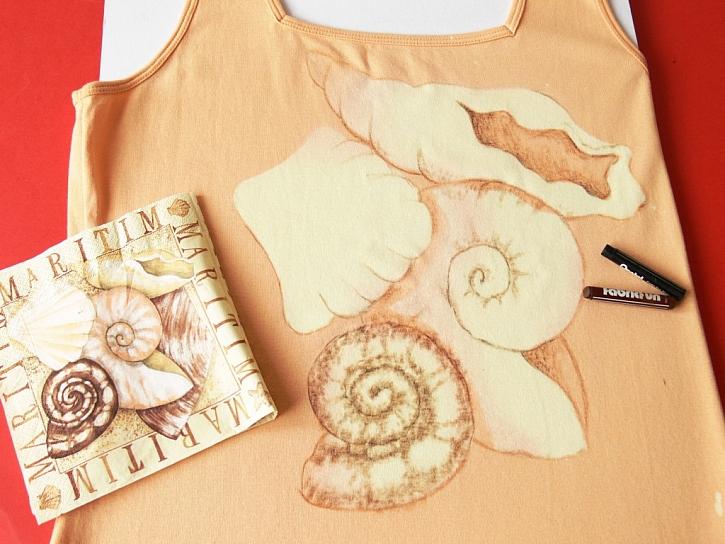 Technika barvení savem a voskovými pastely – tričko