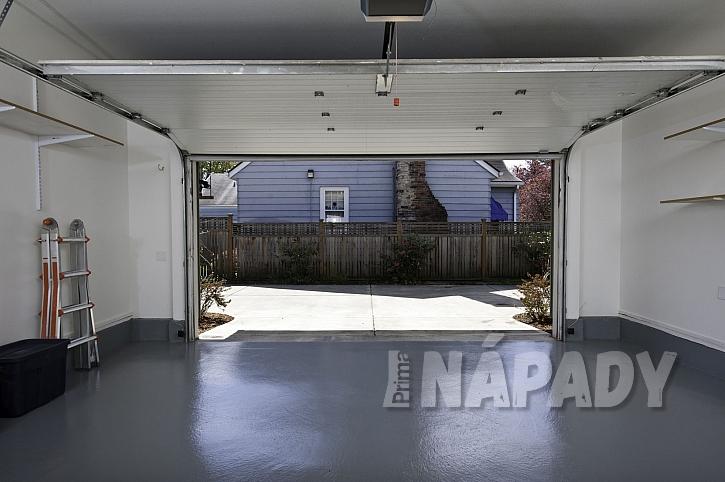 Pryskyřicová podlaha v garáži